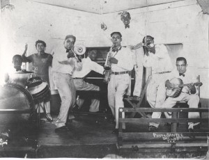 Percy Darensbourg with Lee Collins' Band. Courtesy Hogan Jazz Archive, Tulane University.