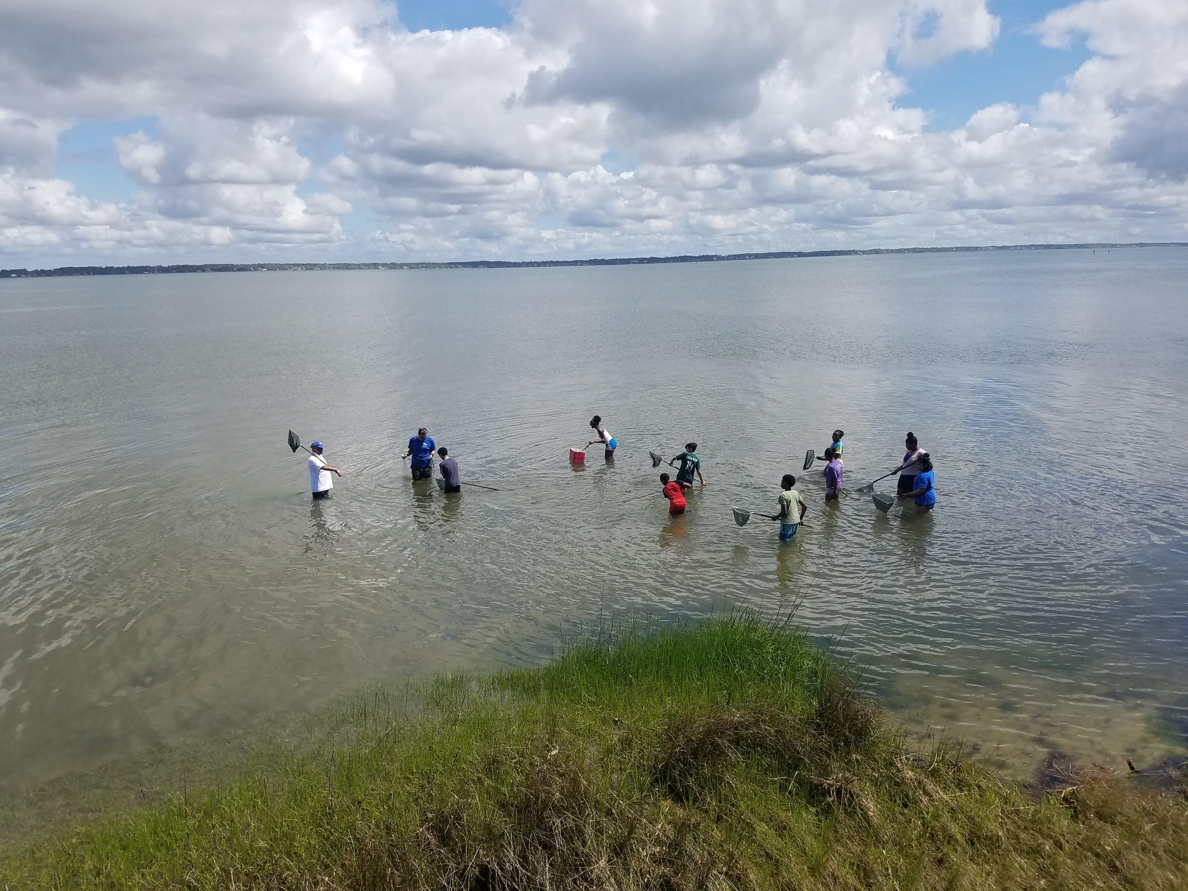 BOOST 6th grade scholars explore Bogue Sound in Pine Knoll Shores