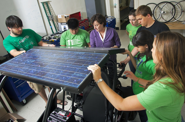 Interdisciplinary Teams Take a Hands-on Approach to Energy Innovations