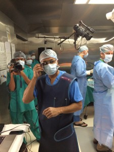 Dr. Selene Parekh performs surgery using the new Goggle glass.