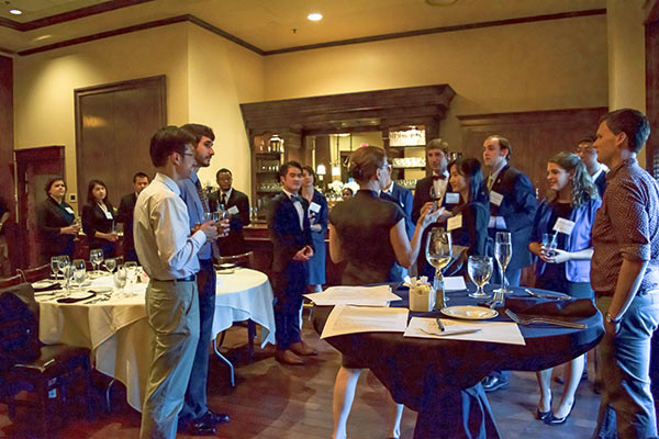 Alumni and current students networking session