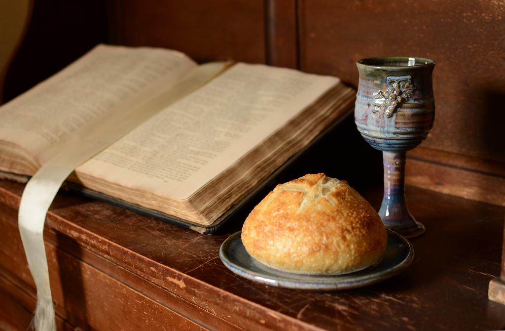 The Abundant Life of Bread: Lectionary Reflections on Luke 11:1-3 ...
