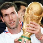 SOCCER - ZIDANE WITH CUP