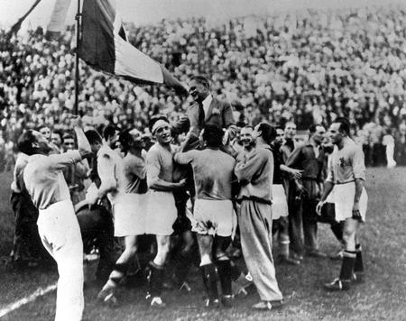 1934 World Cup Champion Italian Team Hoist Manager Vittorio Pozzo