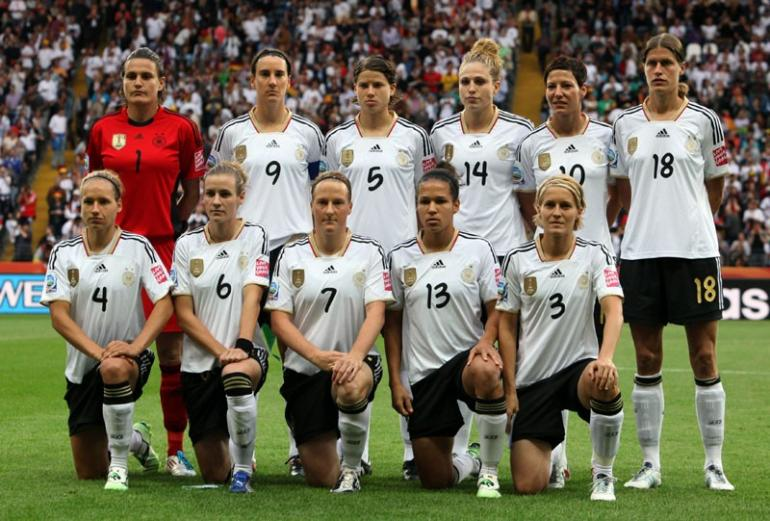 123961-german-team-pose-for-a-picture-before-their-match-against-nigeria