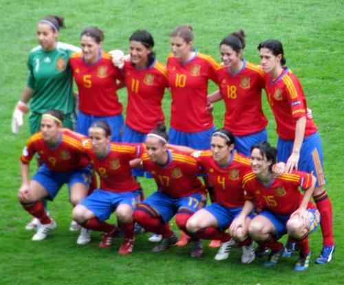 Spanische Nationalmannschaft Players Watch Grassroots