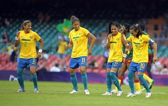 4a07fe6792871 As Canarinhas  La selección brasileña de fútbol femenino – Soccer ...