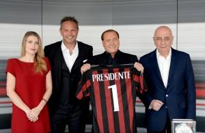 Silvio Berlusconi, Barbara Berlusconi, Adriano Galliani e Sinisa Mihajlovic, in occasione della presentazione alla stampa del mister a Casa Milan, 3 luglio 2015. ANSA/ STUDIO BUZZI - UFFICIO STAMPA ++HO - NO SALES EDITORIAL USE ONLY - NO ARCHIVE++
