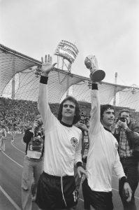 Gerd Müller, nachdem Westdeutschland die WM gewonnen hat, 1974